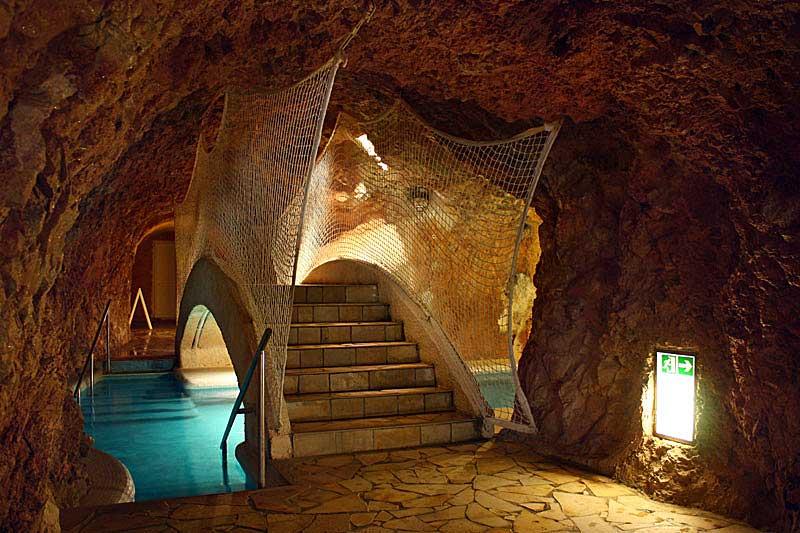 _barlangban_hid